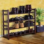 An entryway shoes rack design