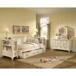 Antique White Wooden Daybeds with Storage And Drawers With Laminate Floor