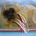 Beautiful Simple Wedding Gifts With Golden Ribbon