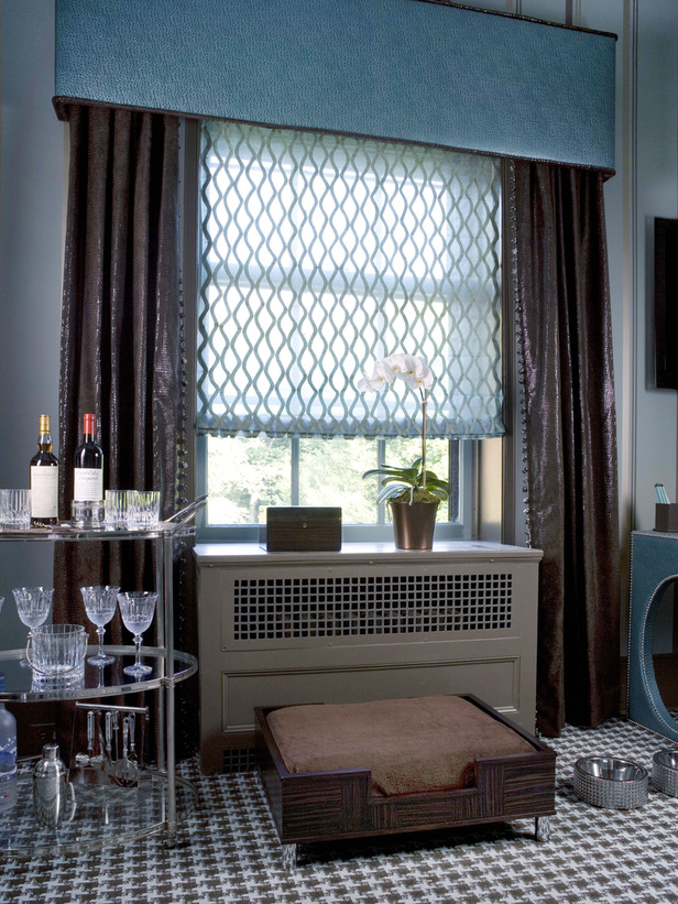 Contemporary window valances homesfeed for Contemporary window treatments for living room