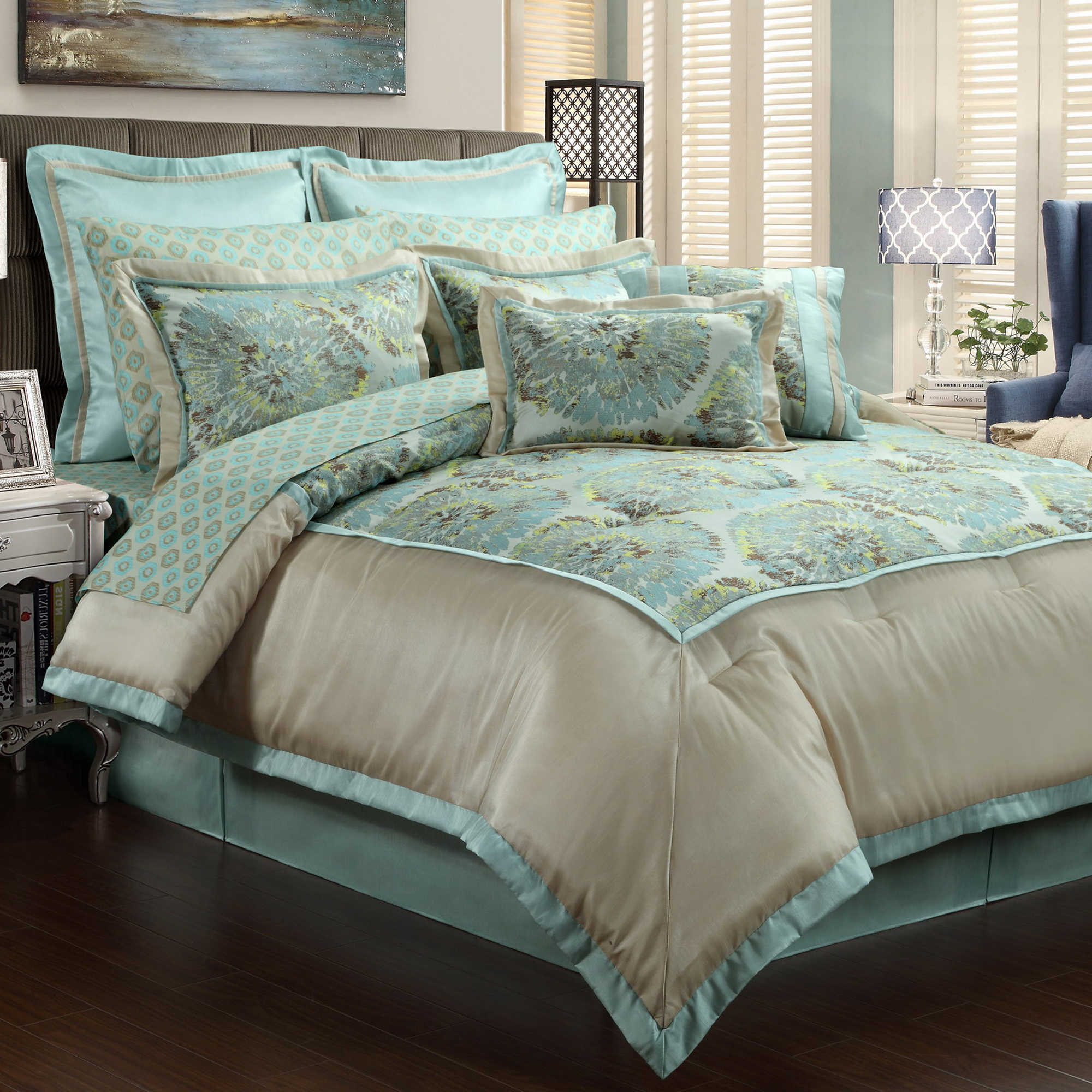 Blue Fl Of Cool Comforter Sets On Bed And Pillows
