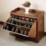 Crafted wooden shoes rack idea