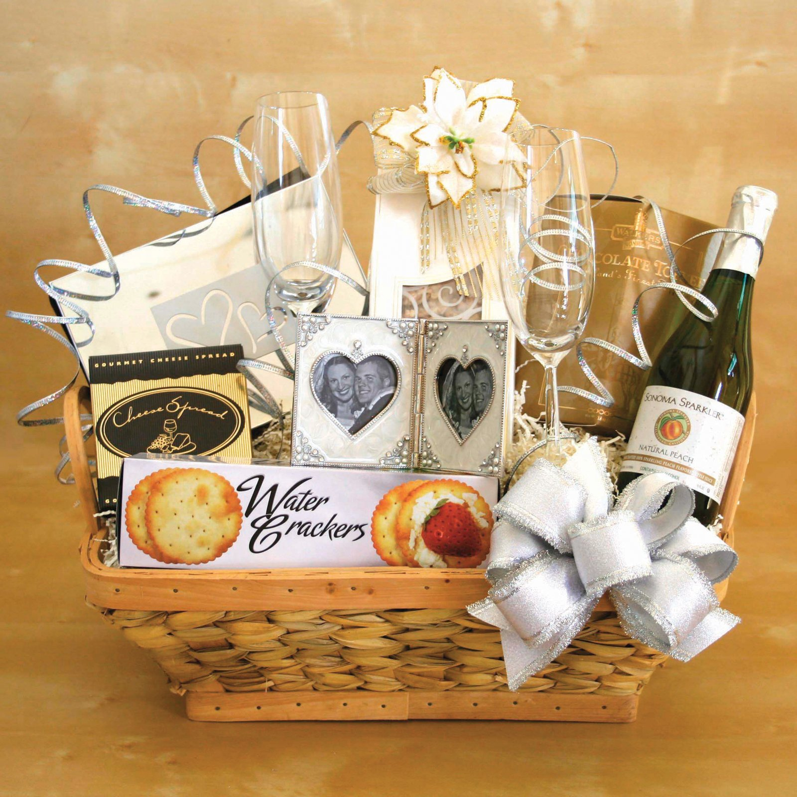 Simple wedding gifts homesfeed for Homemade christmas gift baskets for couples