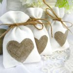 Simple Wedding Gifts With Rope And Heart Design