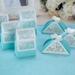 Small Tiffany Wedding Gifts With Blue And White Design