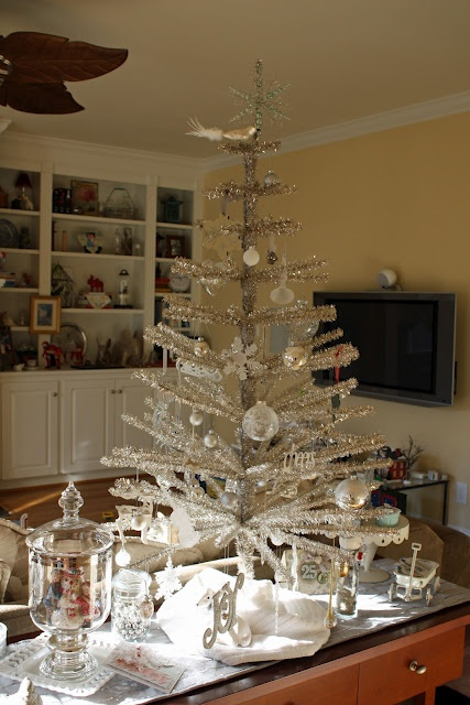 Elegant White Table Top Christmas Tree Homesfeed