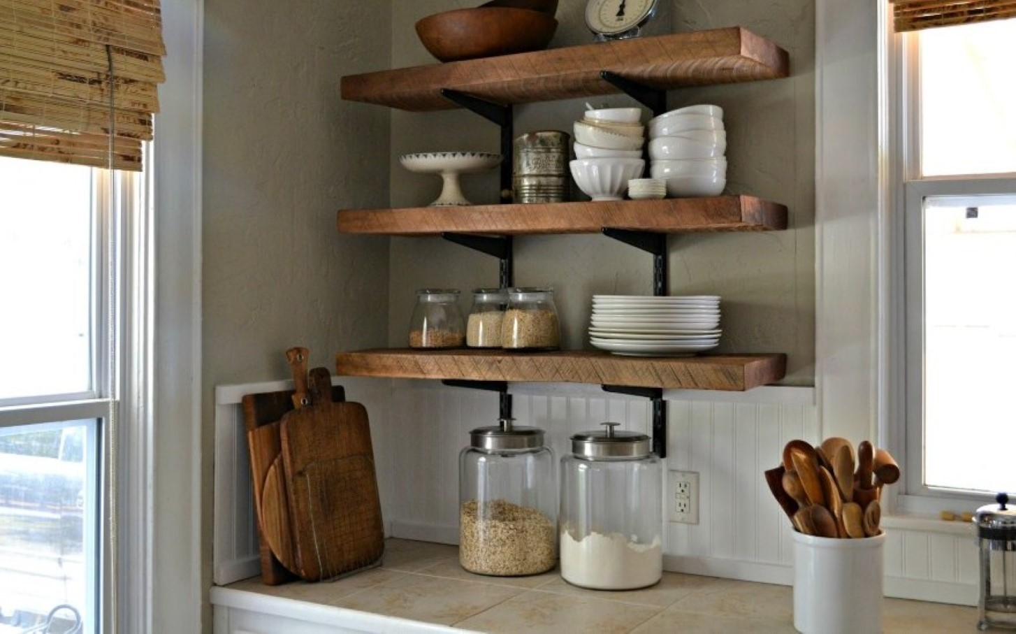Go Creative with DIY Wall Shelves in Your Interior - HomesFeed