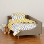 modern bed design for toddler with bird themed bed linen bird themed bedcover and bird themed pillows