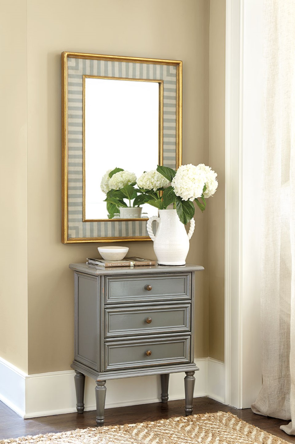 Small Console Table for Hallway - Perfect Icon to Fill the ...