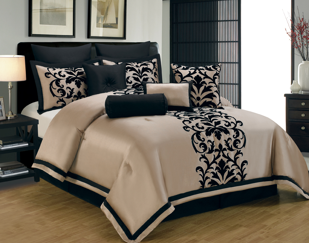 black and gold bedding sets for adding luxurious bedroom 14565 | gold and black bed comforter set idea with black classic motif