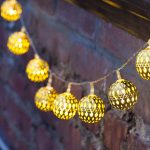 Luxurious vintage string lights idea for outdoor