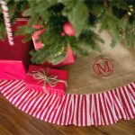 Simpe White Red Stripped Of Personalized Tree Skirts With Red Wrap Gifts