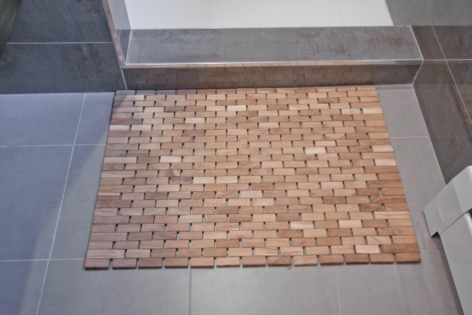 Large Bamboo Shower Mat   Sevenstonesinc.com