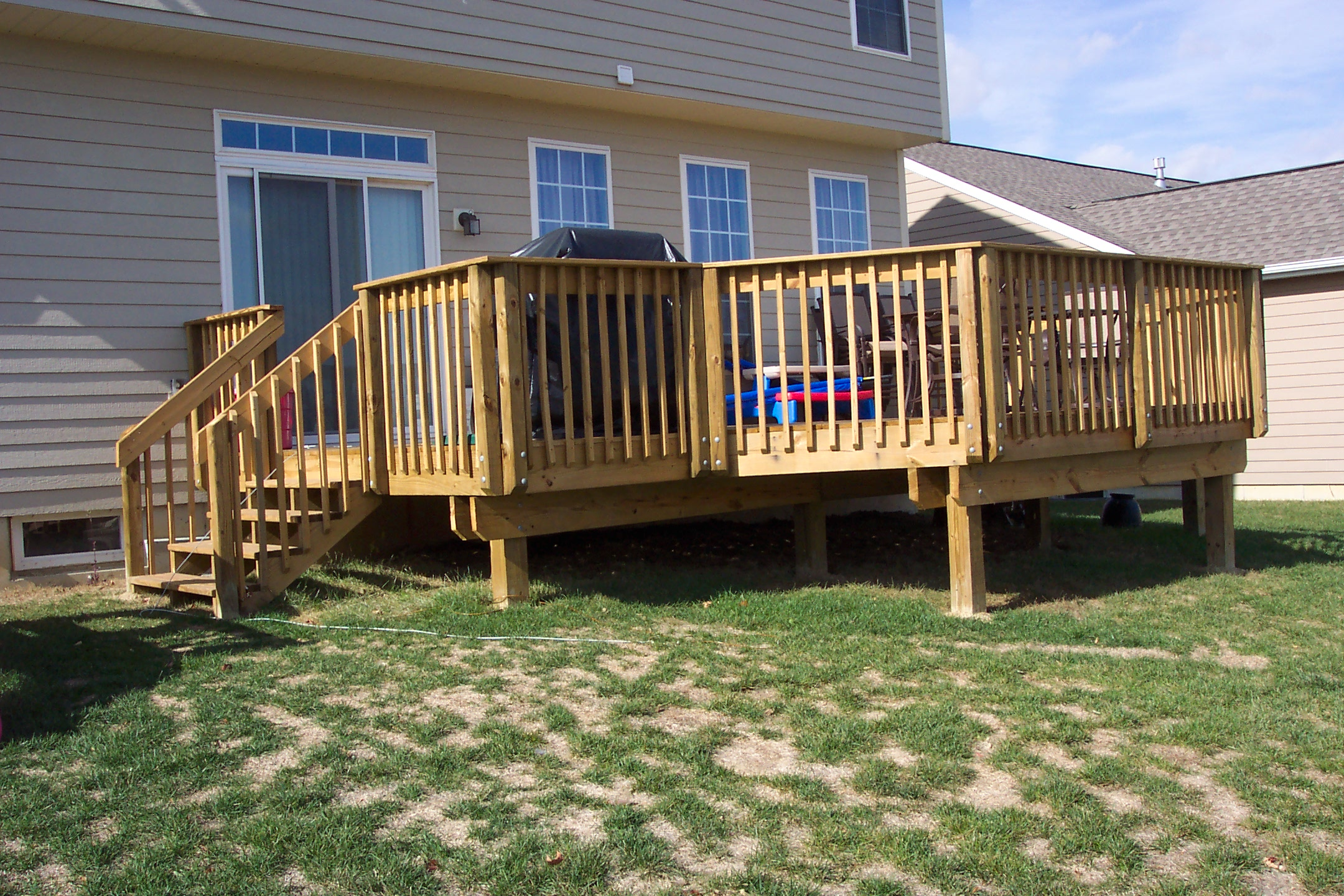 Awesome home deck designs homesfeed for Backyard decks