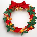 Pictures Of Christmas Wreaths With Red Ribbon And Gold Bells
