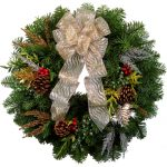 Pictures Of Christmas Wreaths With Silver Gold Ribbon