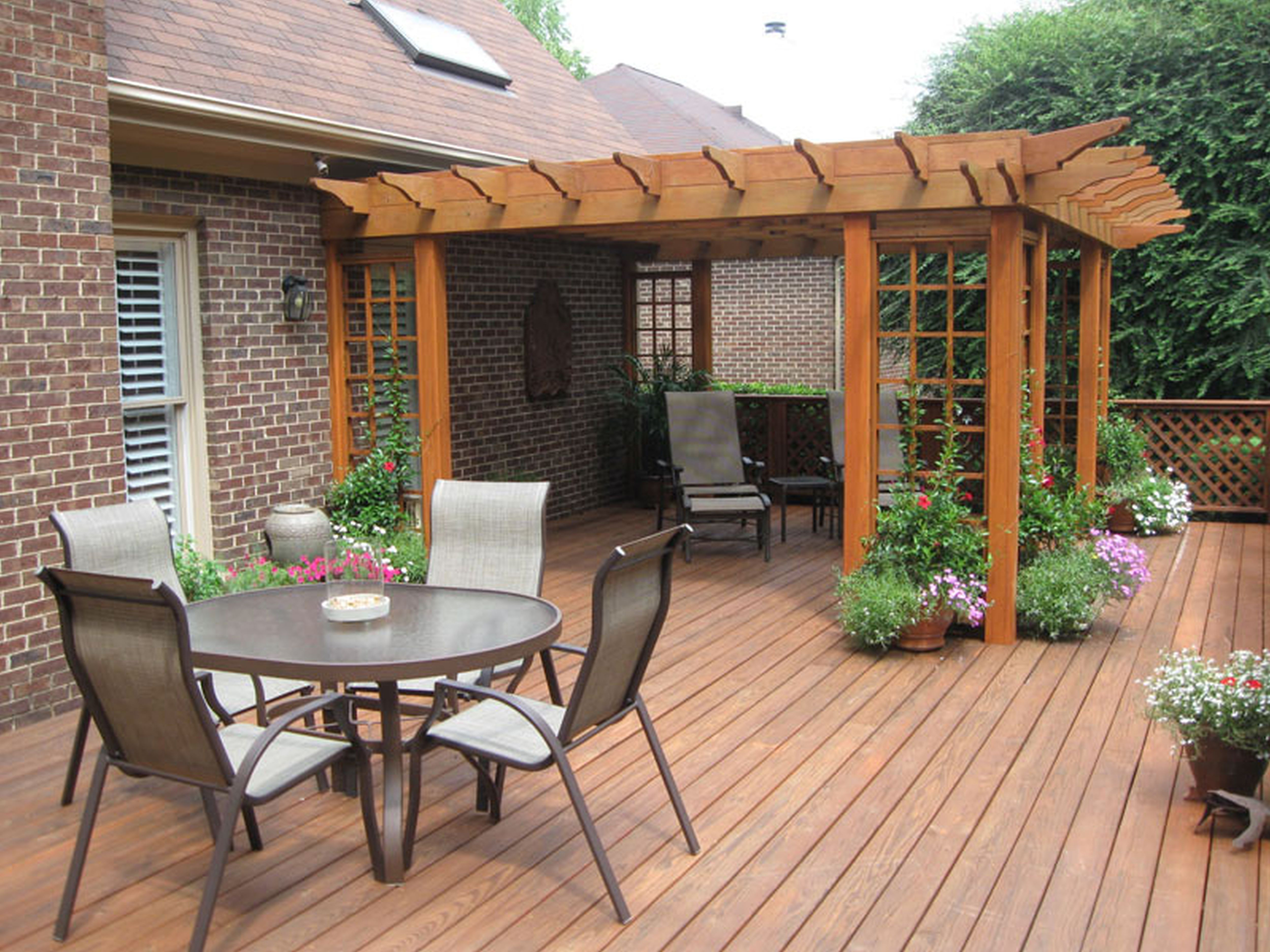 Awesome Home Deck Designs - HomesFeed on Garden Patio Decking Ideas id=12196