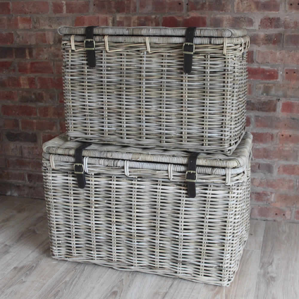Two Extra Large Storage Baskets With Rustic Style And Cover