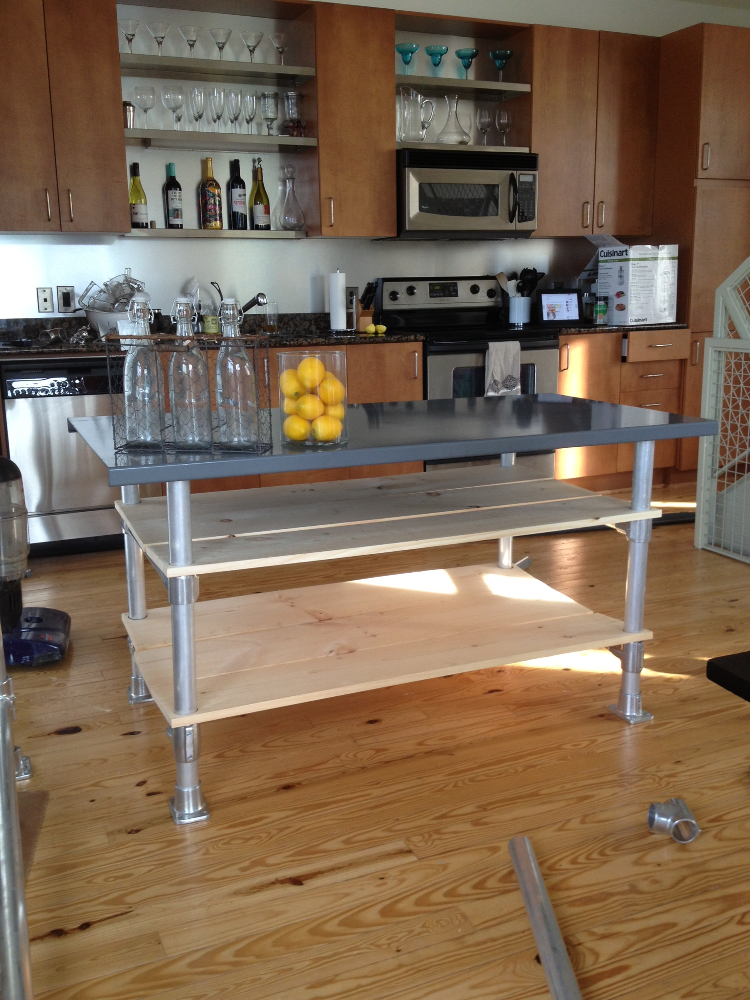 kitchen islands on casters best kitchen island on casters homesfeed 3484