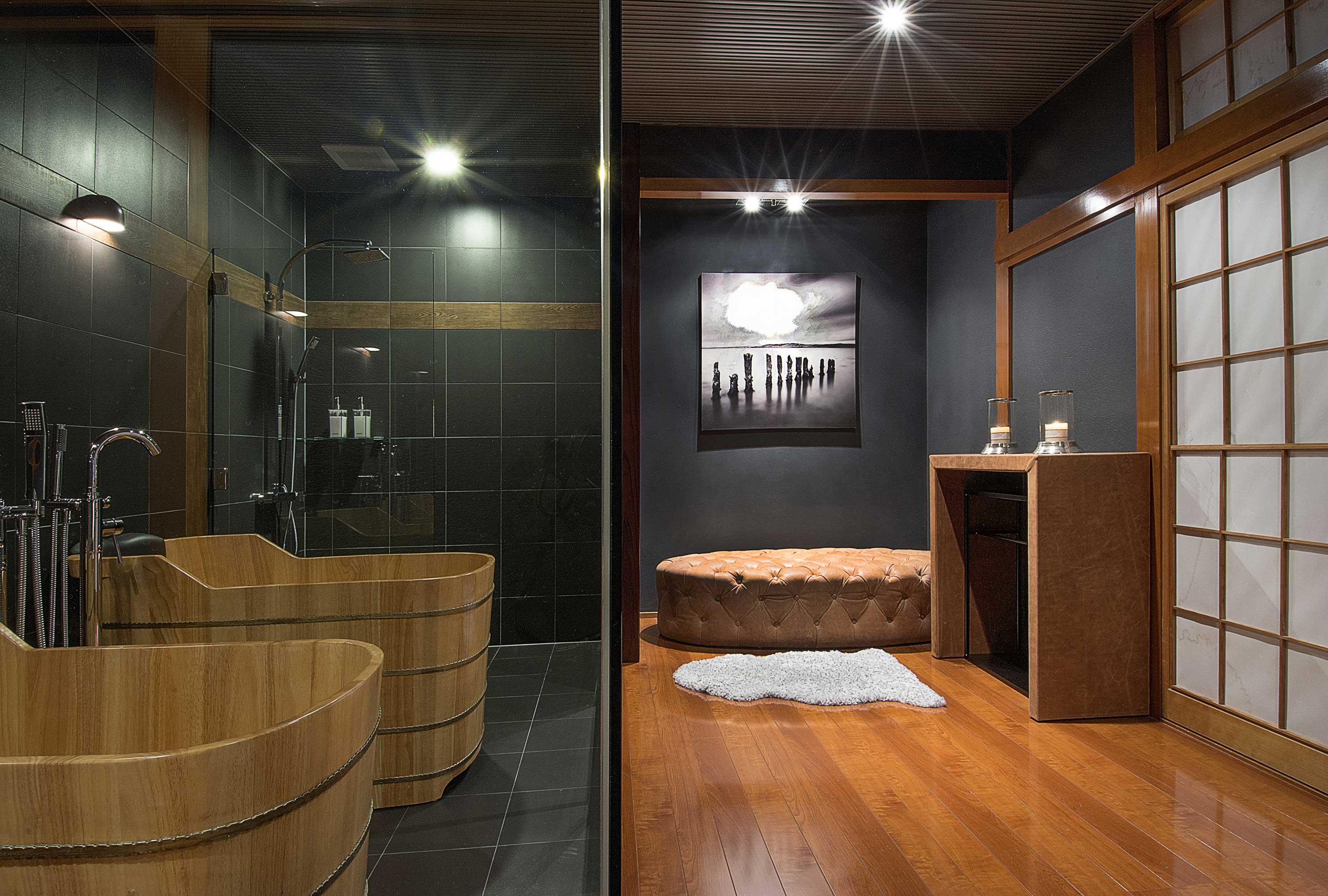 Unique Bamboo Flooring in Bathroom - HomesFeed