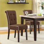 Luxurious avenue six dining furniture set