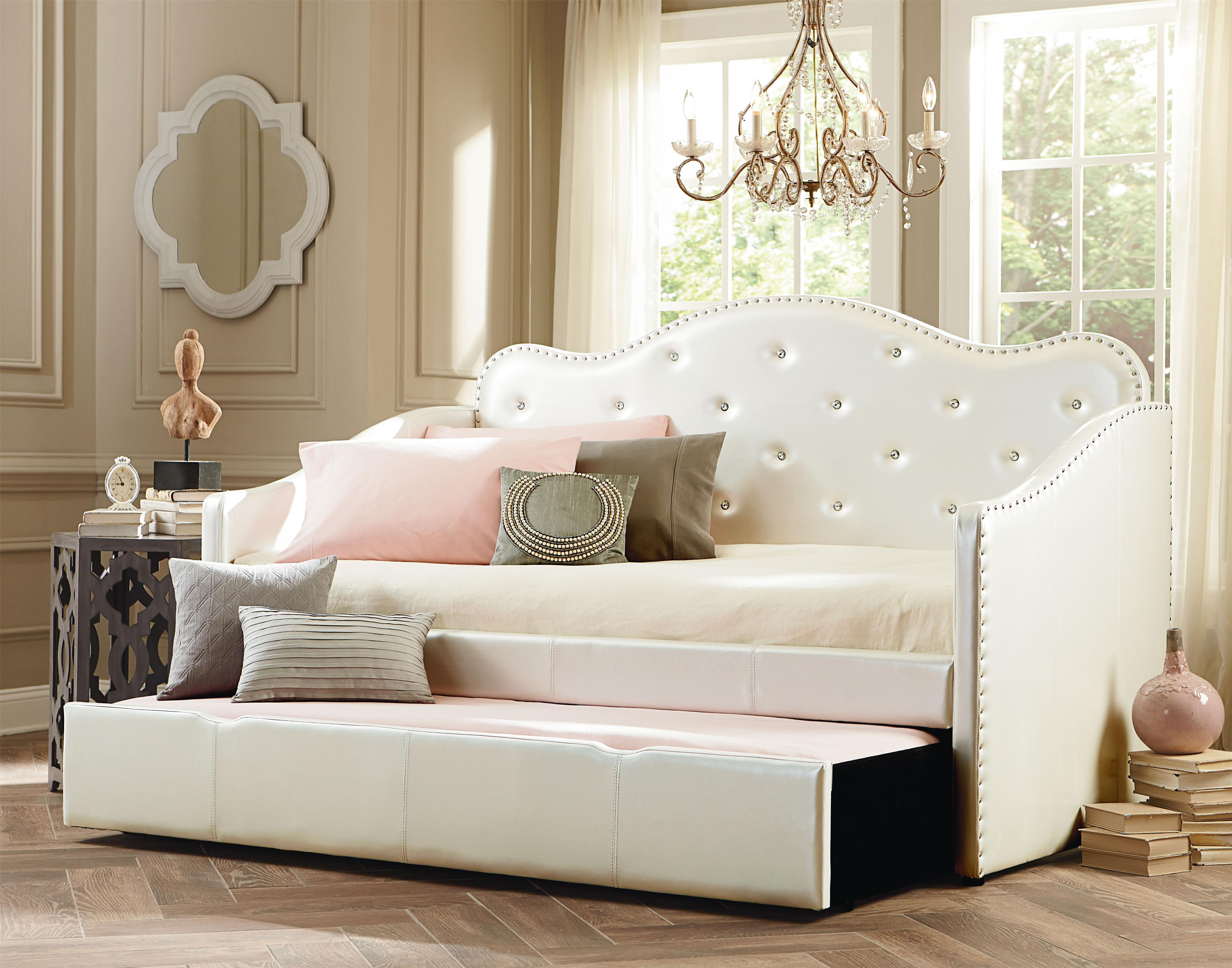 Brand-new Upholstered Daybed with Tufted Detail | HomesFeed EQ33