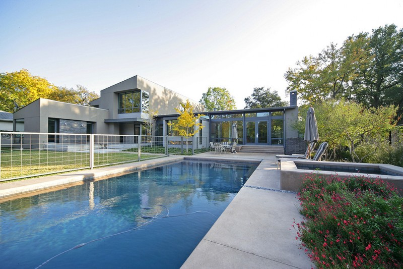 contemporary metal wired fences with metal fence posts for pool and front yard