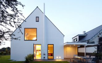 scandinavian exterior idea white exterior walls open gable roof with darker edge lines thin & dark trimmed window thin & dark trimmed doors