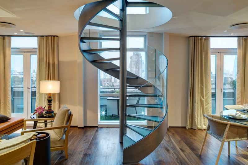 spiral staircase with bendable glass railing
