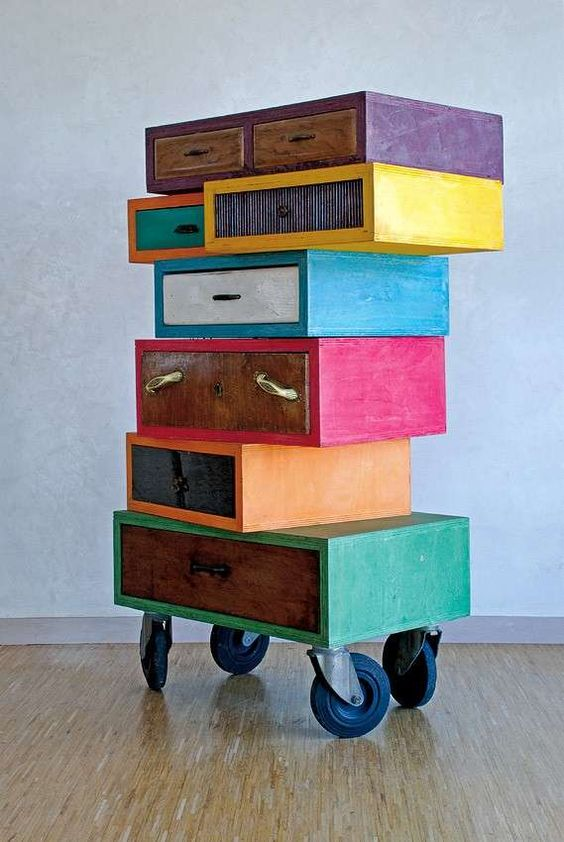 fun colored drawer system with wheels