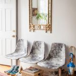 Shabby Entryway Vintage Fiberglass Seats Ethnical Carpet Natural Fiber Basket Decorative Wall Mirror With Gold Toned Frame
