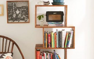 shift bookshelf idea made of dark finished wood