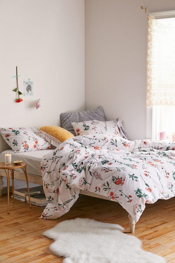 Georgina Stem duvet with floral prints