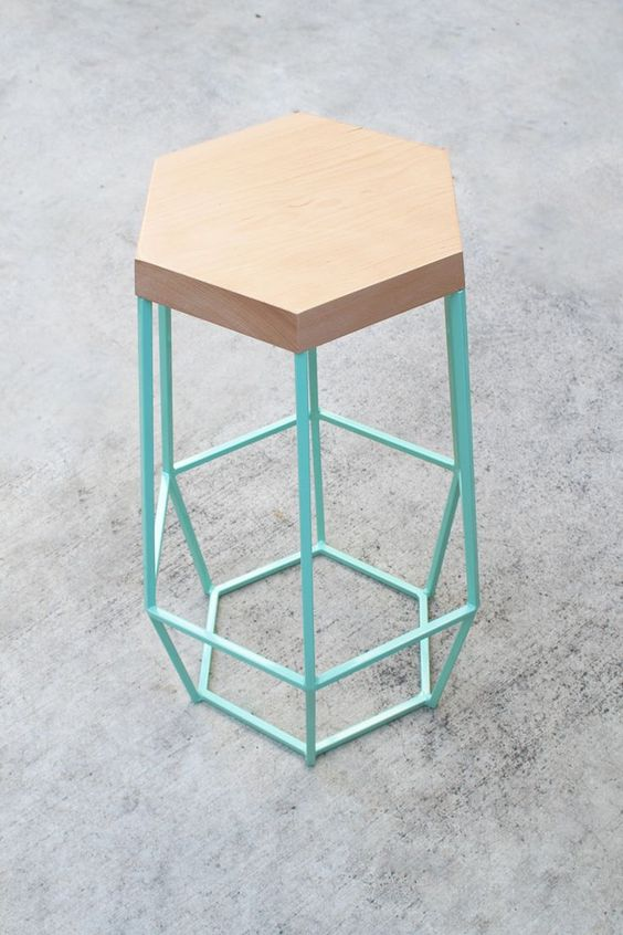geometric top stool with geometric metal base in blue