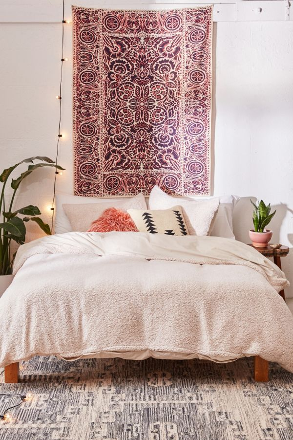 light beige duvet cover by Urban Outfitters with fluffy faux feleece surface and cotton sheet back