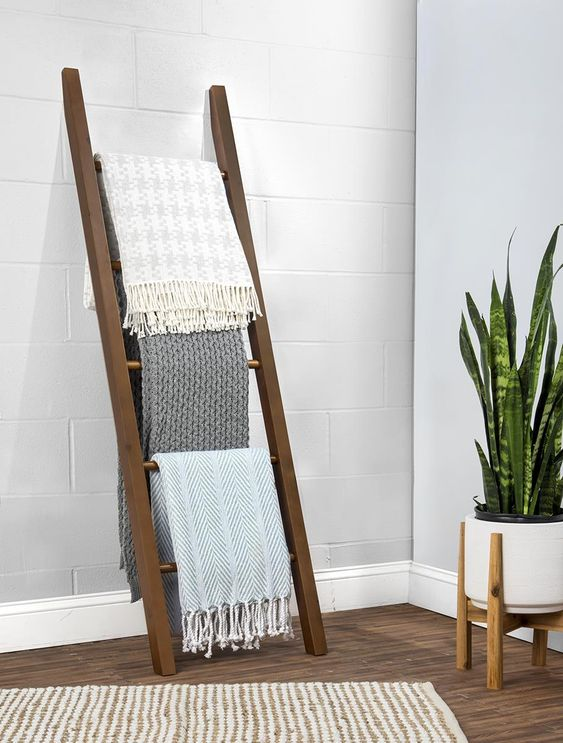 wood leaning ladder for throw blanket