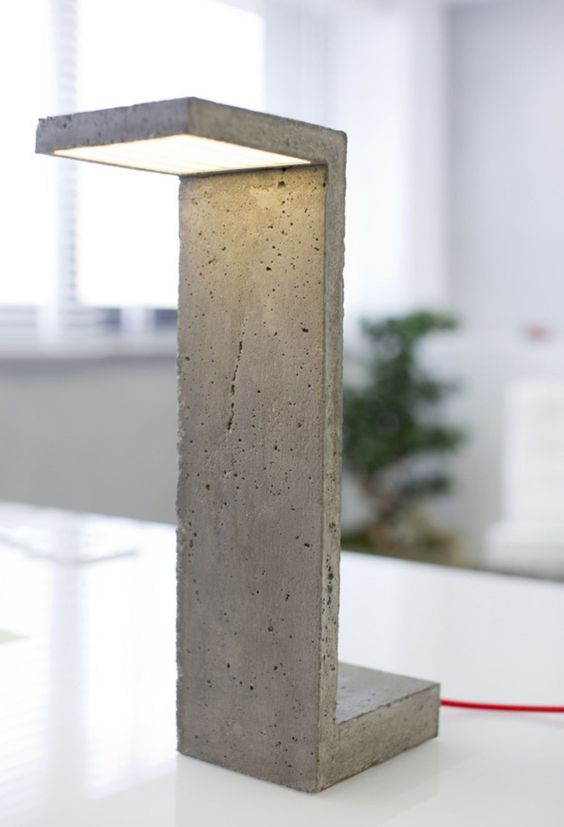 DIY contemporary desk lamp with concrete material