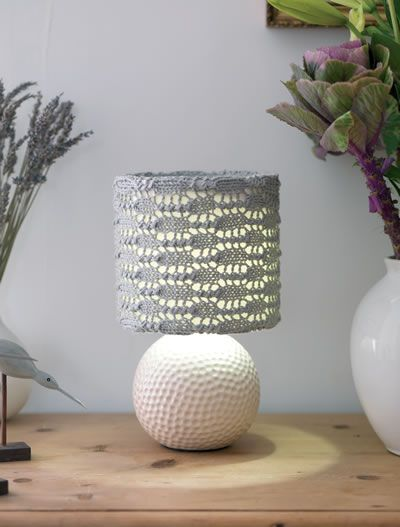 table lamp with white ceramic base and free knitting pattern lampshade cover