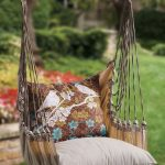 Hanging Chair For Outdoor With Additional Throw Pillows