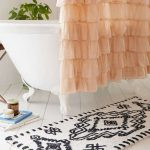 Ultra Soft Bath Rug With Modern Patterns Shower Curtains In Pastel