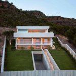 Fabulous House Architecture Idea In Elevated Area