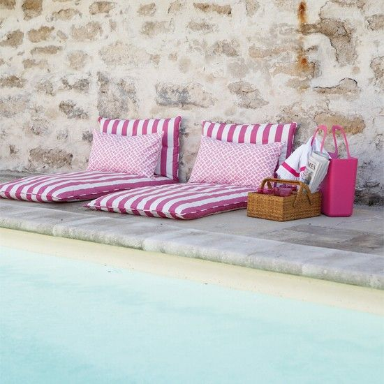 comfy floor cushion in white pink stripes